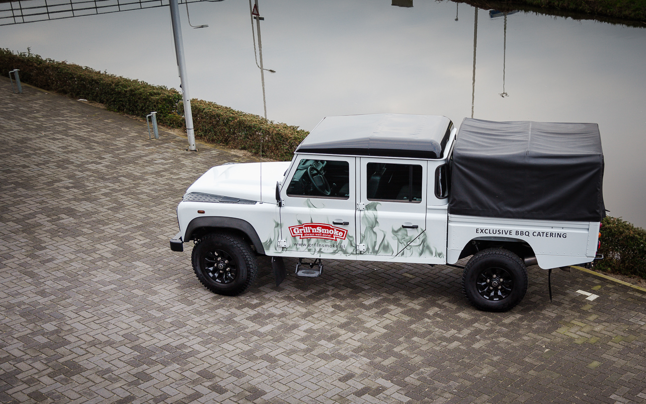 Landrover Defender Grill 'n Smoke