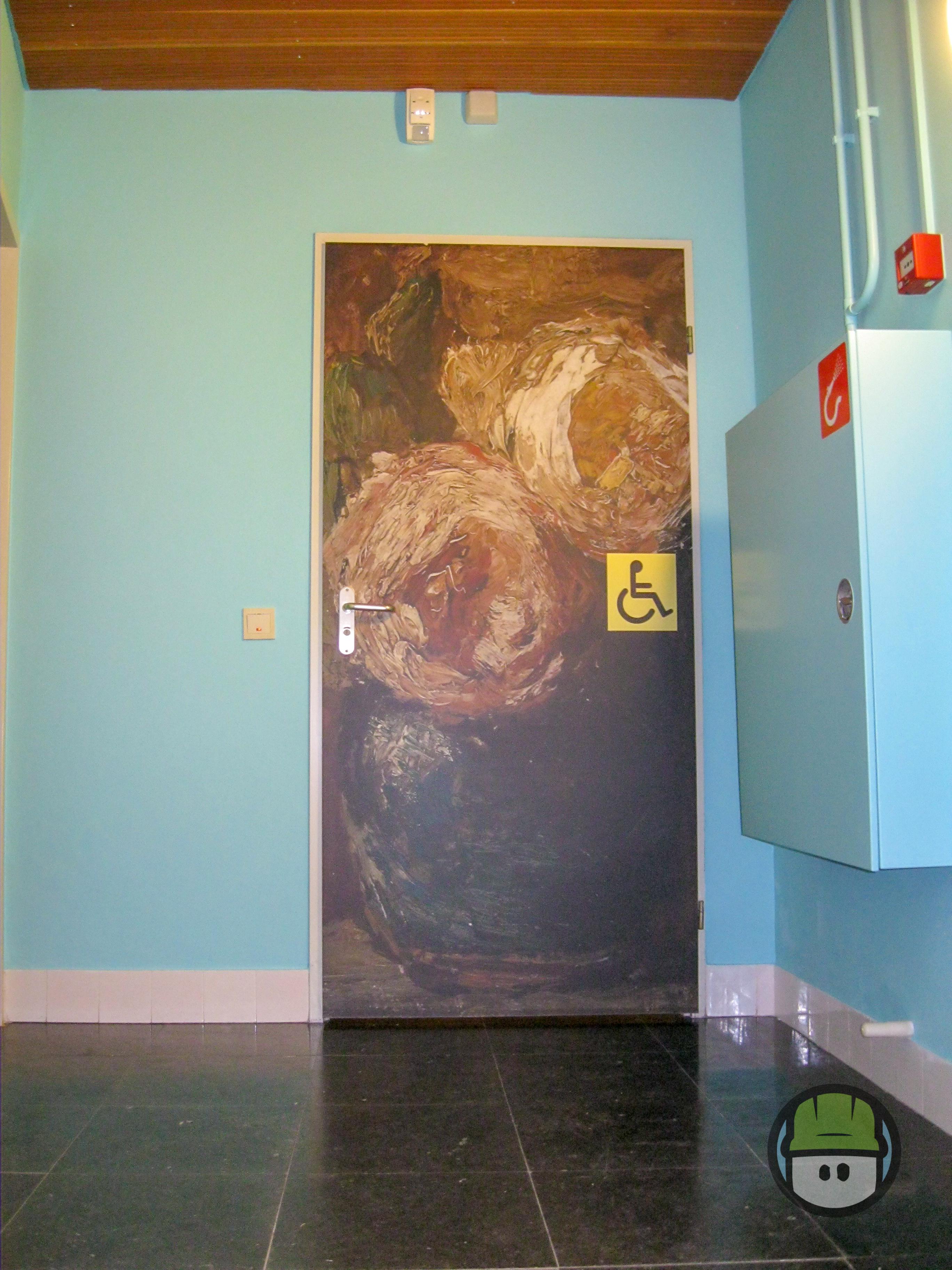 Deur- en Muurbelettering Museum Gouda iov 3MegaWatt